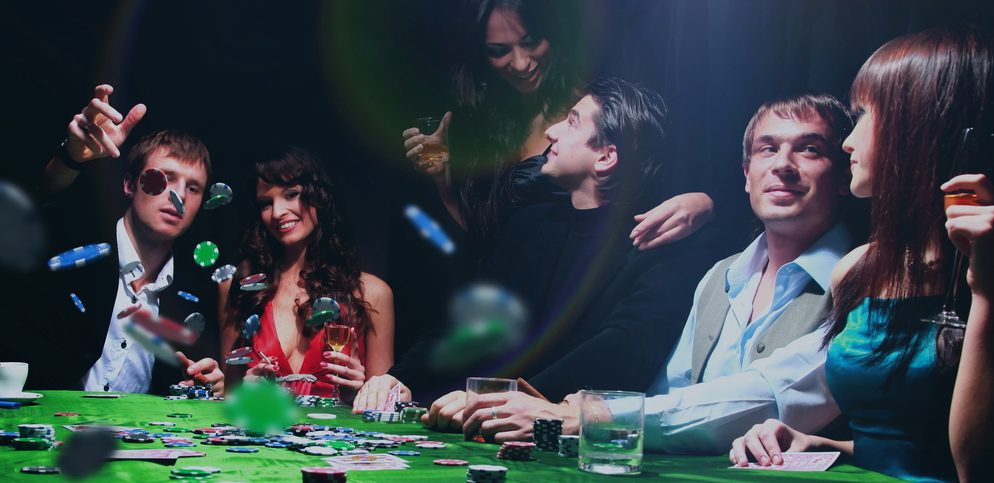 The most profitable times to play poker online