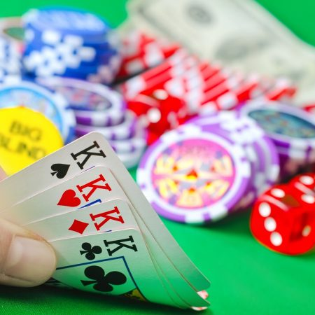 Strategy tips to play poker