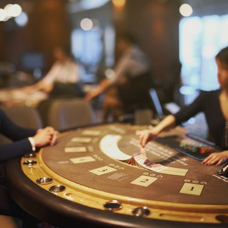 What are the interesting facts to up the winning chances at blackjack games?