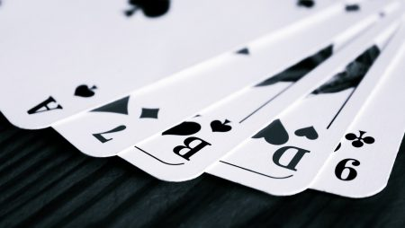 What is prudent to know before playing online casino games?