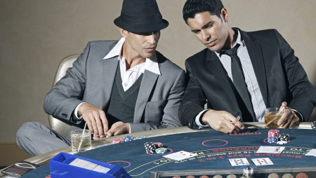 Why online poker differs so much from live poker?