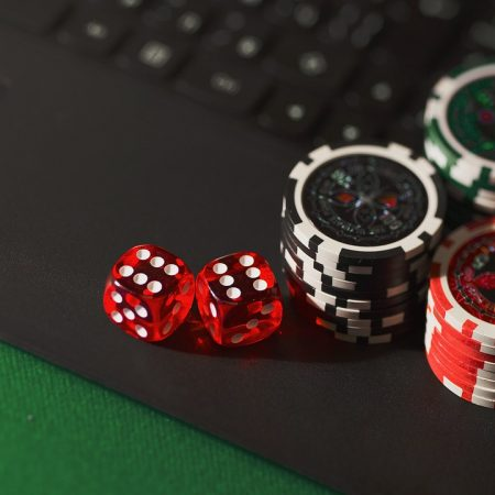 How to outwit a poker bot in poker online games?