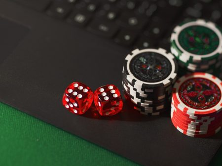"How to manage ""tilt"" in online poker at Swedish online casinos?"