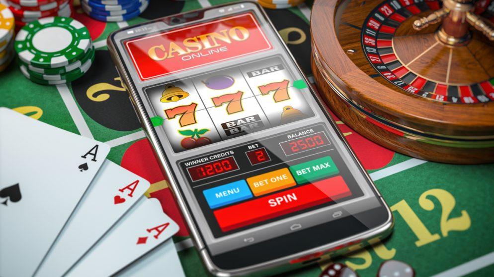 Why should gaming enthusiasts read online casino reviews?
