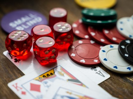 How to choose the right online casino for the best deals and bonuses?