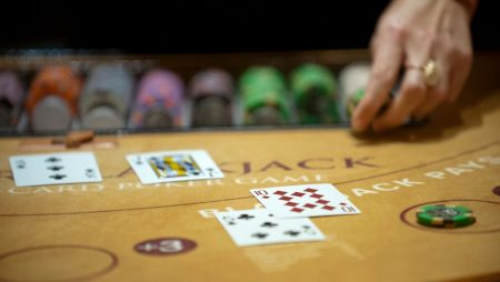 What makes an online casino live blackjack game so popular?