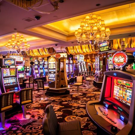 Is it possible to become a high roller at an online casino?